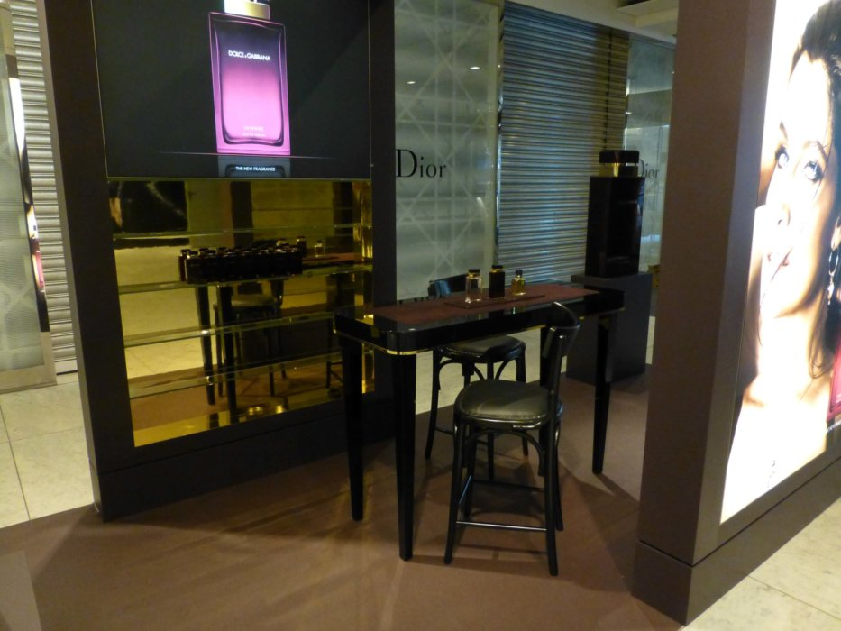 Boden Dolce Gabbana Ladengestaltung Fußboden