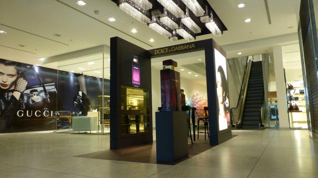 Pantoneboden Ladengestaltung Fußboden