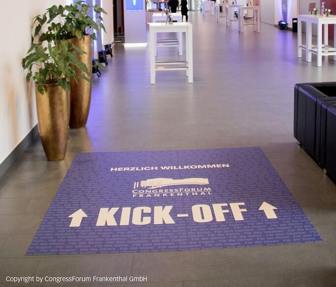 CongressForum Frankenthal Nutzt FOTOBODEN™ Als Wegweiser Und Bühnenboden
