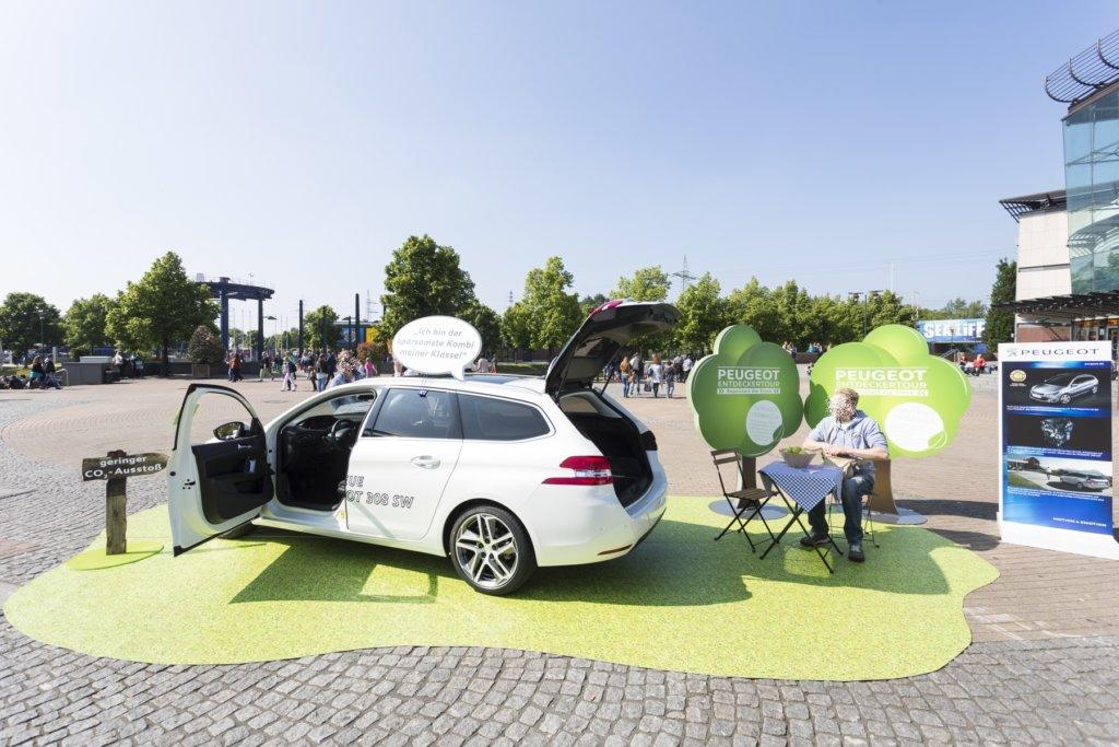 Fahrzeugpräsentation Outdoorboden Floorminder