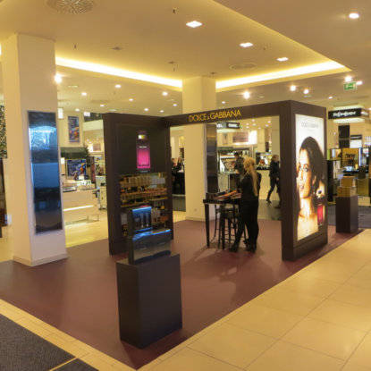 Dolce Gabbana Stand Bodengestaltung Objektdesign