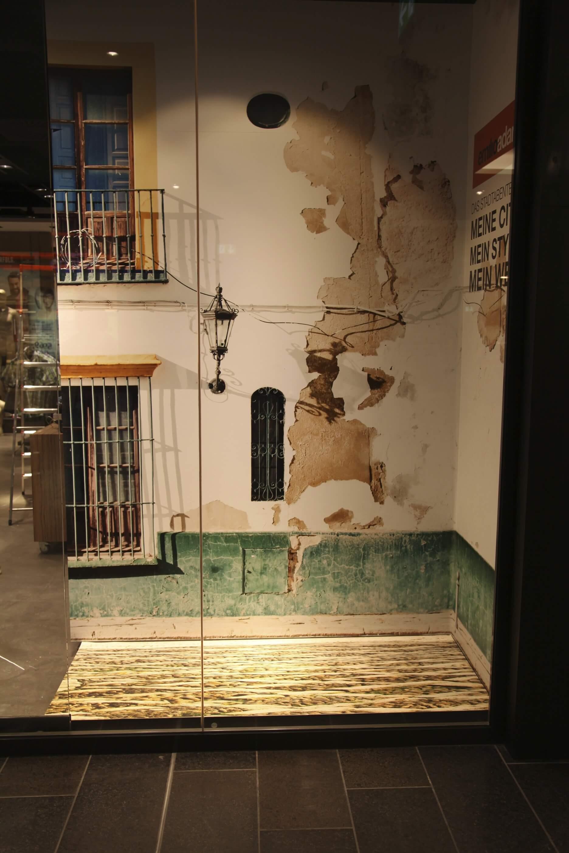 Getaltung Boden Schaufenster bedruckt