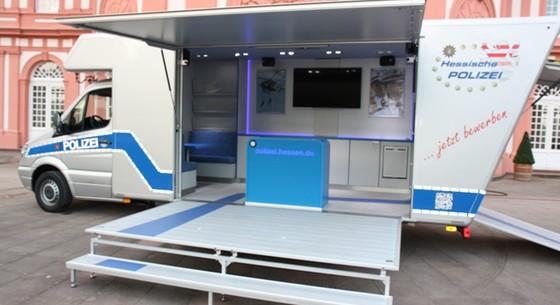 Polizei Hessen Design Des Infomobils
