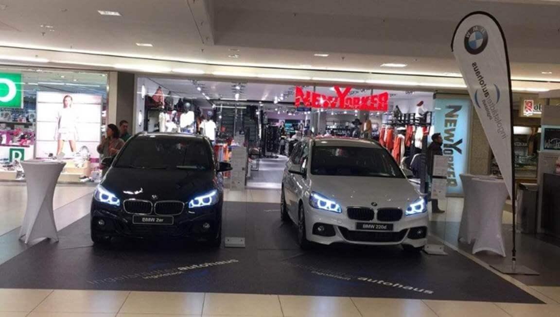Mit Dem Auto Ins Shopping Center