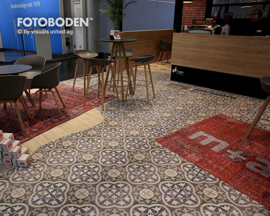 FOTOBODEN™ Messeboden Teppich mit Logo
