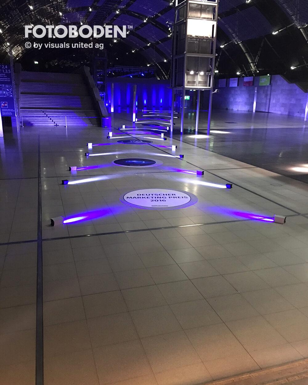 FOTOBODEN™ Messeboden Bodenaufkleber