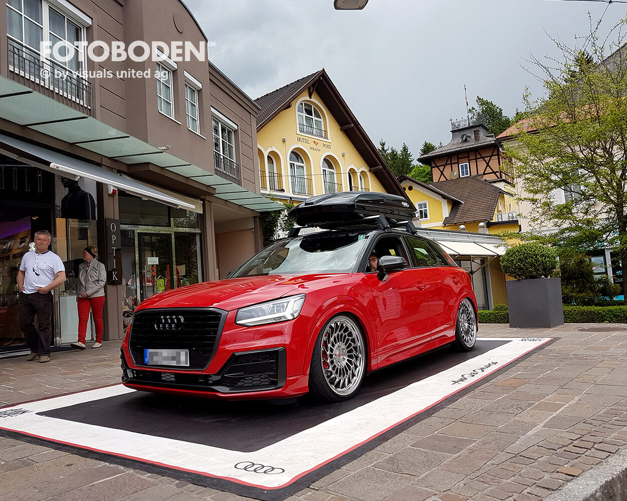 Audi Fotoboden Flooring Fußboden Bodengestaltung Floorminder Bodendruck Werbung Fußbodenwerbung Bodenwerbung Merchandising Advertising Visualmerchandising1