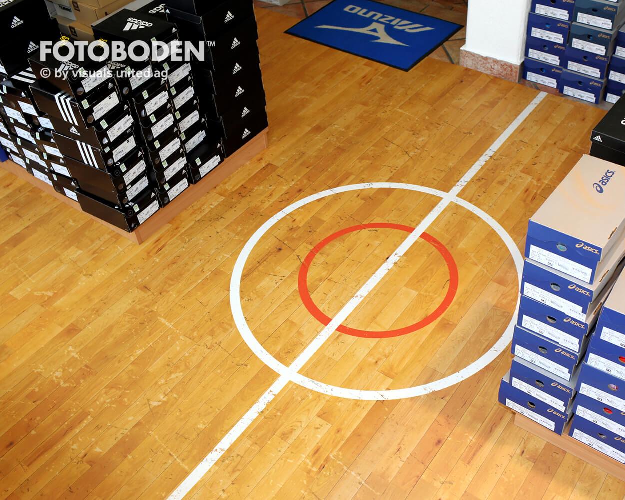 Sport6Ladenbau Ladengestaltung Fußboden Verkaufsfläche Bodengestaltung Boden Foto Fotoboden Fotomotiv Motiv Druck Visual Merchandising Point Of Sale POS