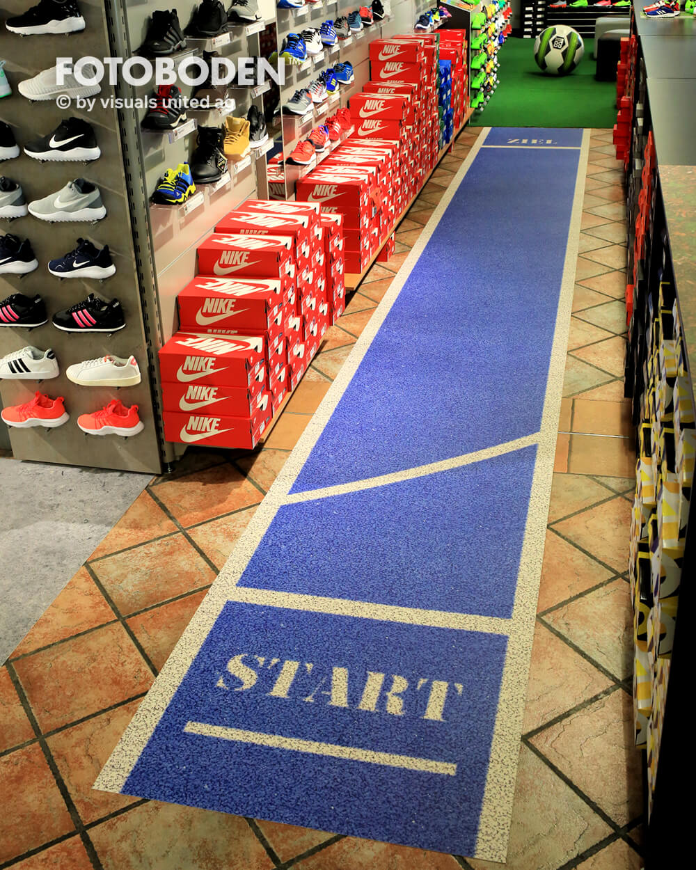 Sport8Ladenbau Ladengestaltung Fußboden Verkaufsfläche Bodengestaltung Boden Foto Fotoboden Fotomotiv Motiv Druck Visual Merchandising Point Of Sale POS