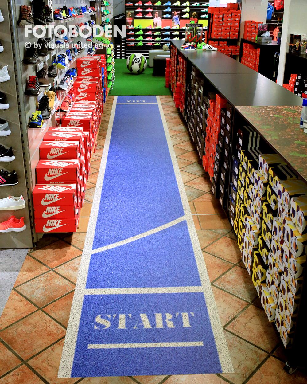 Sport9Fotoboden Flooring Fußboden Bodengestaltung Floorminder Bodendruck Werbung Fußbodenwerbung Bodenwerbung Merchandising Advertising