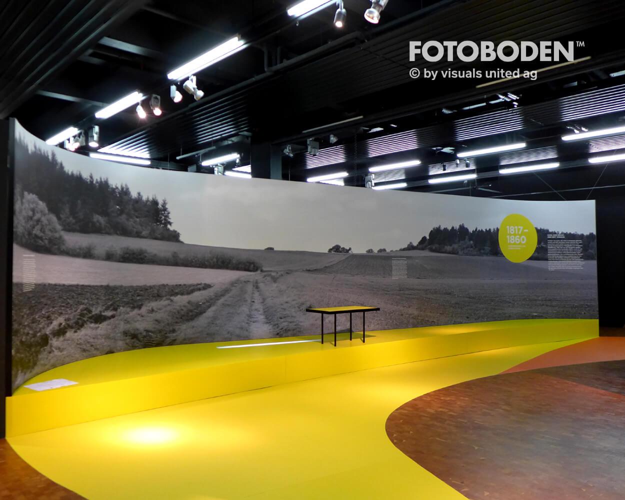 Fahrrad5 Ausstellung Museum  Raumkonzept Stimmung Museumsboden Ausstellungsboden Fotoboden Vinylboden Flooring Individuell Event