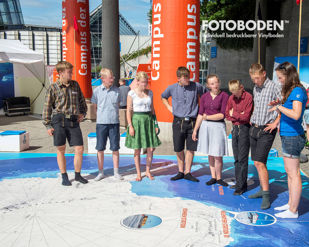 Antarktiskarte IdeenExpo Hannover 3Ausstellung Museum  Raumkonzept Stimmung Museumsboden Ausstellungsboden Fotoboden Vinylboden Flooring Individuell Event