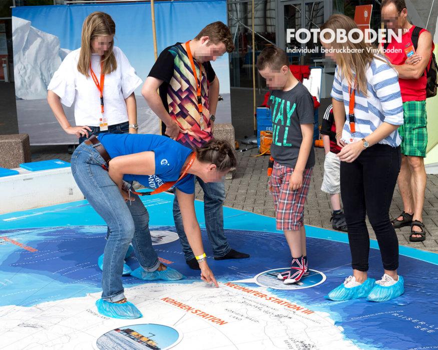 Ausstellungsboden Museumsboden Outdoor Kinderinfoplatz