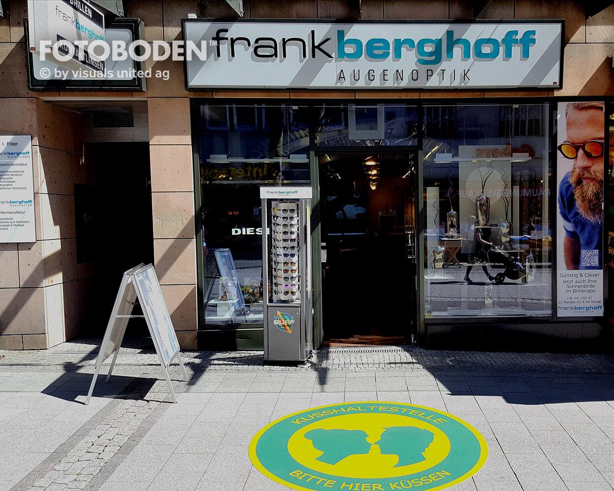 FrankBerghoff Optik Fotoboden Flooring Fußboden Bodengestaltung Floorminder Bodendruck Werbung Fußbodenwerbung Bodenwerbung Merchandising Advertising Visualmerchandising1
