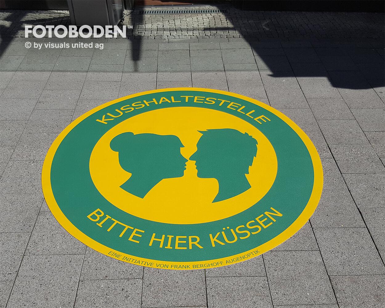 FrankBerghoff Optik Fotoboden Flooring Fußboden Bodengestaltung Floorminder Bodendruck Werbung Fußbodenwerbung Bodenwerbung Merchandising Advertising Visualmerchandising2