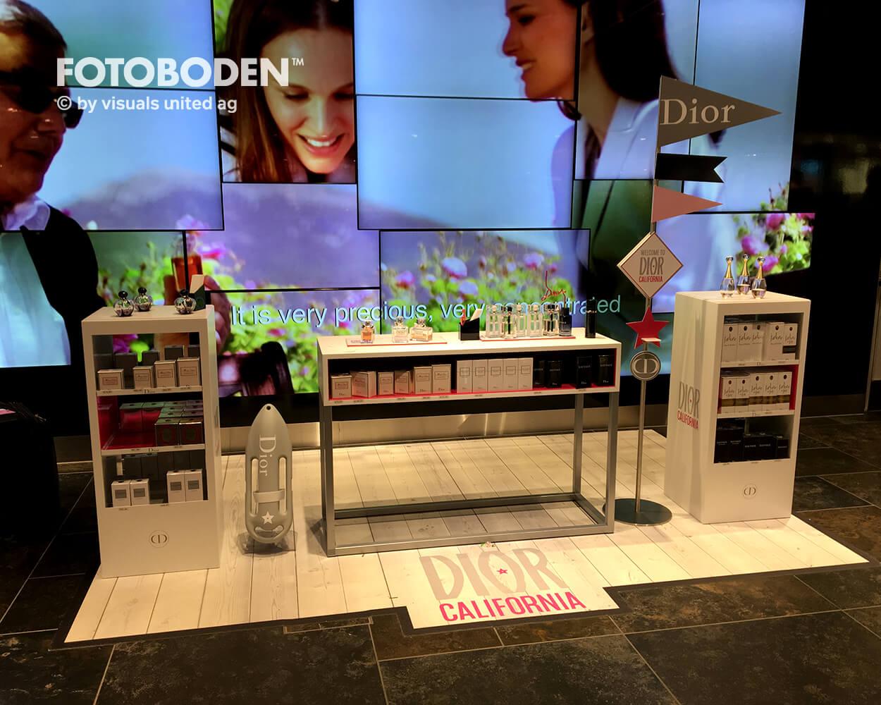 Dior Fotoboden Flooring Fußboden Bodengestaltung Floorminder Bodendruck Werbung Fußbodenwerbung Bodenwerbung Merchandising Advertising Visualmerchandising