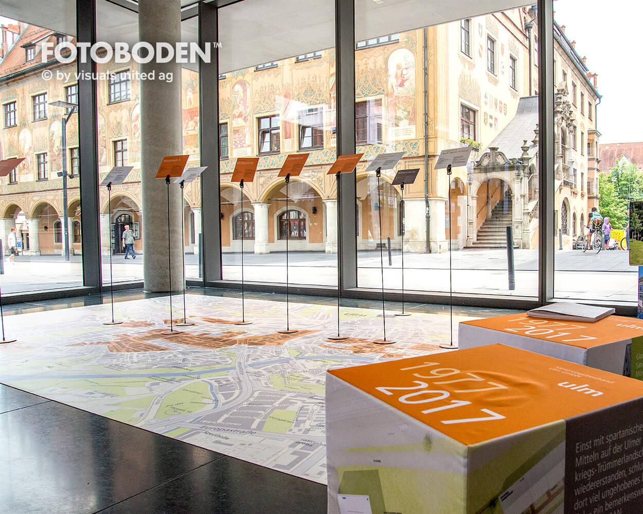 Sparkasse Ulm Ausstellung Museum  Raumkonzept Stimmung Museumsboden Ausstellungsboden Fotoboden Vinylboden Flooring Individuell Event1