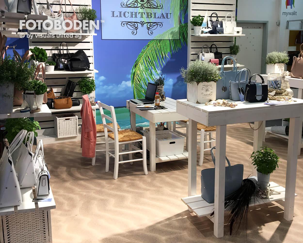 Lichtblau Fotoboden Messeboden Tradeshow Flooring Bodengestaltung Messe Bodendesign Messedesign Design Boden Messegestaltung1