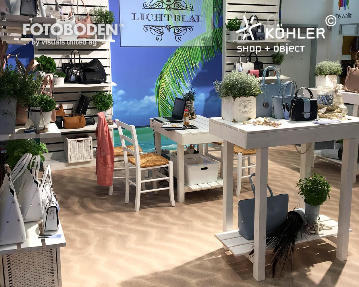 Lichtblau FOTOBODEN™ Messeboden Tradeshow