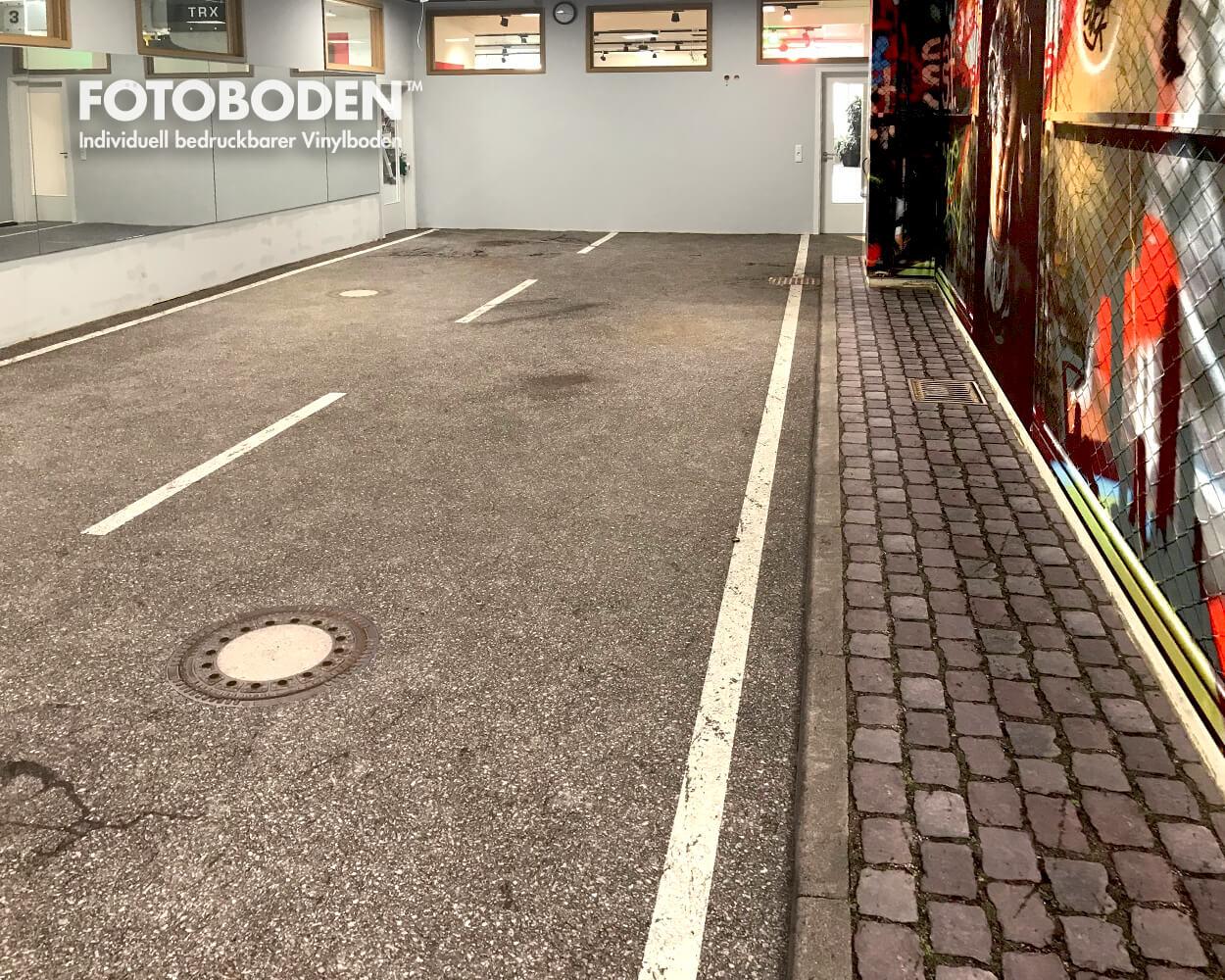 Vinylboden mit Asphalt und Kopfsteinflaster